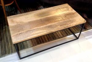 木製家具や布地ソファで雰囲気温度アップ・・(´∀`)の写真2